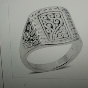 Nwt- Sterling oblong ring, scroll design. Size 8